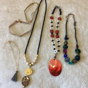 Jewelry - Costume necklace lot